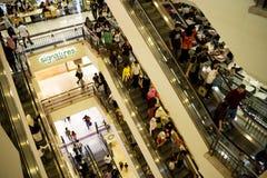 人群购物 库存图片