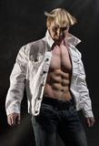 人肌肉开放衬衣 免版税库存照片
