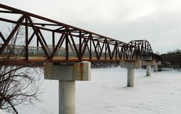 人行桥冬天 免版税库存图片