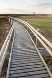 人行桥, Liepaja湖,拉脱维亚 免版税库存图片