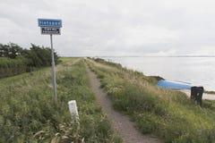 人行道在Marken 免版税库存图片