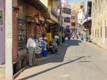 人街道摄影路的在琥珀色的堡垒,斋浦尔,印度附近 库存照片