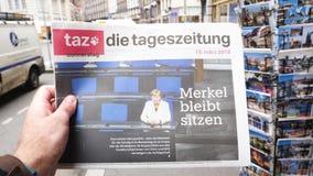 人读书买德语死tageszeitung报纸 影视素材