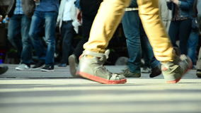 人走的/Istanbul/Taksim 2014年4月人群  股票录像