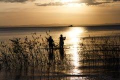 人跨光在Nicaragua湖 库存图片