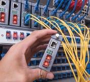 人连接的纤维网络缆绳 库存图片