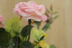 人造花粉红色 库存照片