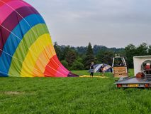 人队折除气球 图库摄影