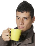 年轻人饮用的咖啡 免版税库存图片