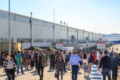 人们在埃森博阿e-sinav电子检查的merkezi中心在esenboga的在e-yds电子外语检查以后在Ank 免版税库存图片