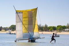 人们在安塔那那利佛,马达加斯加 库存图片