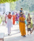 人们在德里参观红色堡垒, 免版税库存图片