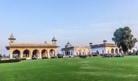 人们在德里访问德里红堡 免版税库存照片