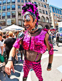 人们在慕尼黑庆祝克里斯托弗街天 库存图片