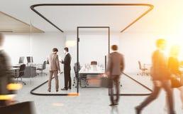 人们在有玻璃墙的会议室 3d翻译 免版税图库摄影