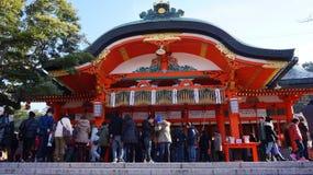 人们在高山市,日本参拜高山市寺庙 图库摄影