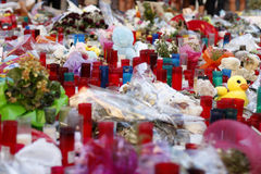 人们在巴塞罗那` s兰布拉团聚了在恐怖分子atack以后 图库摄影