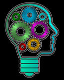 人头外形塑造了与里面铁齿轮的电灯泡 可利用的PNG 库存图片