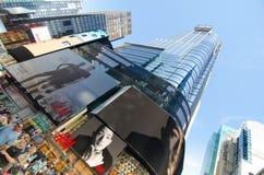 人们未经预约而来在时代广场,纽约的标志和 免版税库存照片