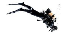 人轻潜水员被隔绝的潜水剪影 免版税库存照片