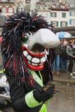 人戴着Waggis面具在巴塞尔狂欢节在巴塞尔,瑞士 免版税库存图片