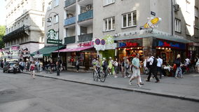 人们走的维也纳 影视素材