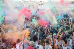 人们跳舞在色的战争事件的,拉纳卡,塞浦路斯 库存照片