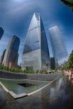 人们临近自由塔和9/11 免版税库存图片