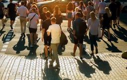 人Defocused走的人群红灯的在乌克兰 免版税图库摄影