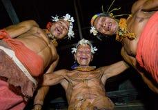 人Mentawai部落舞蹈礼节舞 免版税库存图片