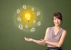 介绍新的想法概念的人 免版税库存照片