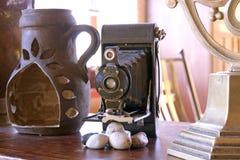 仍然古色古香的照相机寿命 免版税库存照片
