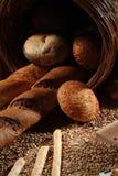 仍然在生活上添面包 免版税图库摄影
