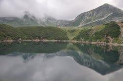 仍然湖在Kurobe富山 免版税库存图片