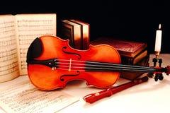 仍然生活音乐会小提琴 免版税库存图片