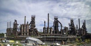 仍然站立在伯利恒的钢铁生产厂的全景 免版税库存照片