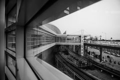 从一个窗口的看法在芝加哥奥黑尔机场 免版税库存图片