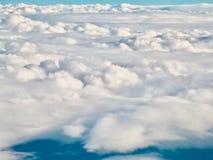 从一个飞机窗口的云彩在新西兰 图库摄影