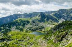 从七个Rila湖,保加利亚的风景 库存图片