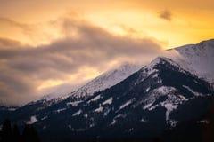 从上陶恩的看法在山Bruderkogel,Steinermandl,Schafgupf的日落的 免版税库存图片