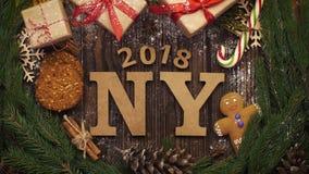 从上面注视着与绿色s的木字法`新年2018年` 影视素材