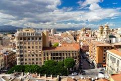 从上面的卡利亚里,撒丁岛,意大利都市风景 免版税图库摄影