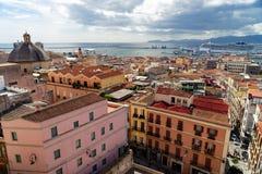 从上面的卡利亚里,撒丁岛,意大利都市风景 库存照片