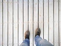 从上面看的人脚和腿 图库摄影