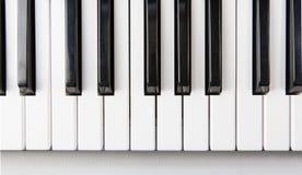 从上面被查看的钢琴关键字 免版税库存照片