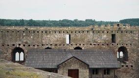 从中古、墙壁和房子的老堡垒 股票视频