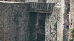 从中古的老堡垒,在塔之间的桥梁 股票录像
