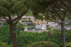 从中央寺院正方形看的美丽的景色,拉韦洛,阿马尔菲海岸,意大利 库存照片