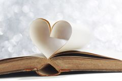 从书页的心脏 库存照片