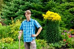 从事园艺的人锹 图库摄影